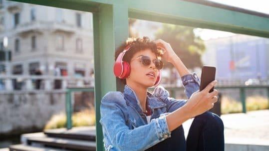 was-verdienen-musiker-mit-streaming-musikanwalt-music-streaming-spotify-youtube