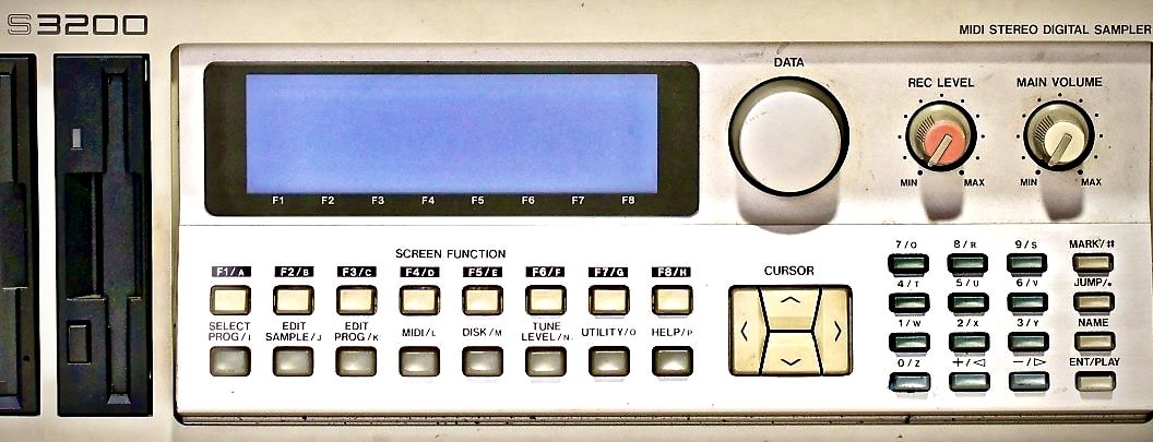 Sampling-BGH-Moses-Pelham-Kraftwerk-Metall-auf-Metall-Akai-s-3200-sampler-tonträger-sampling-anwalt-christian-weber-musikanwalt-frankfurt